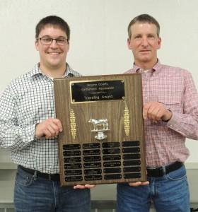 Tanner Lawton (left), the newest director of the Greene County Cattlemen, and Johnny Hamilton representing Hamilton Redi-Mix.  GCNO photo