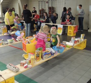 Toddler Fest grocery shopping