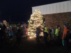 tree-lighting-w-kids